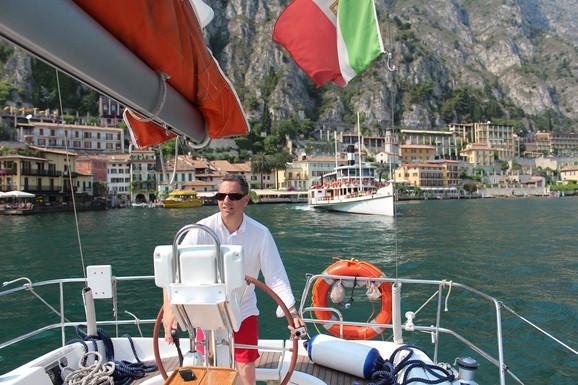 Poginuli pilot Erik Svejfer uživao je i u svom brodiću