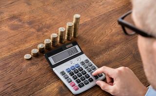Waloryzacja emerytur i rent 2021: O ile wzrosną świadczenia? Co z trzynastką i czternastką?