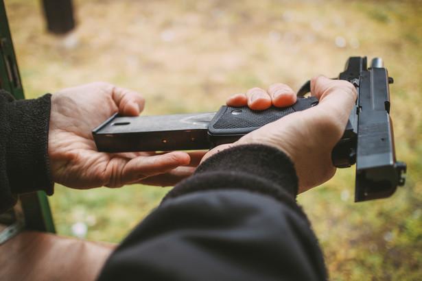 Centralne Biuro Śledcze Policji poinformowało przed weekendem o zabezpieczeniu 340 sztuk nielegalnej broni.
