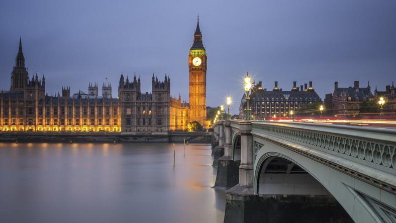 Zagraniczni kierowcy notorycznie unikają płacenia mandatów w Londynie