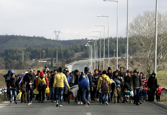 Kolona izbeglica u Grčkoj