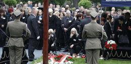 Pochowali szczątki ofiar