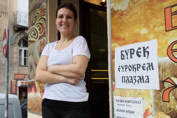 Gazdarica Mara ispred svoje pekare