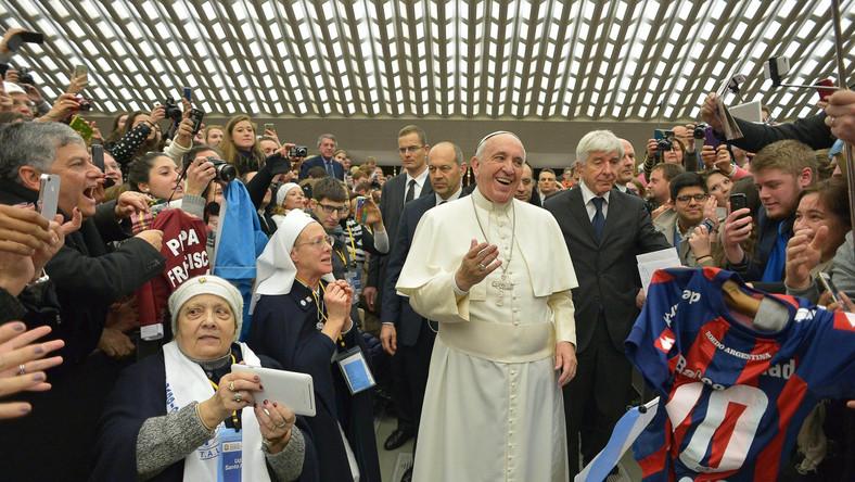 Papież Franciszek wśród wiernych