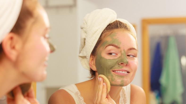 Jakich zabiegów kosmetycznych nie robić w domu?