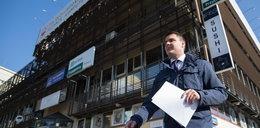 Postawił się Kaczyńskiemu i chciał dobić się do jego gabinetu. Oto, co go spotkało