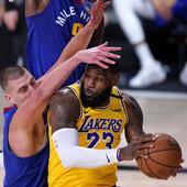 """""""On je MVP ove sezone!"""" Lebron Džejms šokirao sve u NBA izborom najboljeg, a to NIJE NIKOLA JOKIĆ: Oborio je rekord, ne znam ko bi drugi mogao da bude MVP!"""