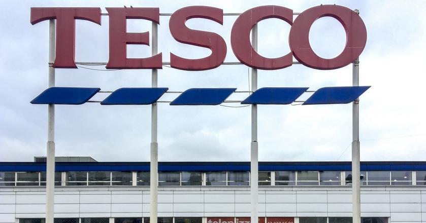 Całodobowe sklepy Tesco będą otwierać się w poniedziałki o godzinie 0:15