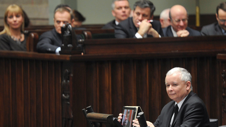 Prof. Piotr Gliński przygotowywał się do wystąpienia w Sejmie w czasie debaty nad wnioskiem o wotum nieufności wobec rządu Donalda Tuska. Marszałek Sejmu Ewa Kopacz nie wyraziła jednak na to zgody