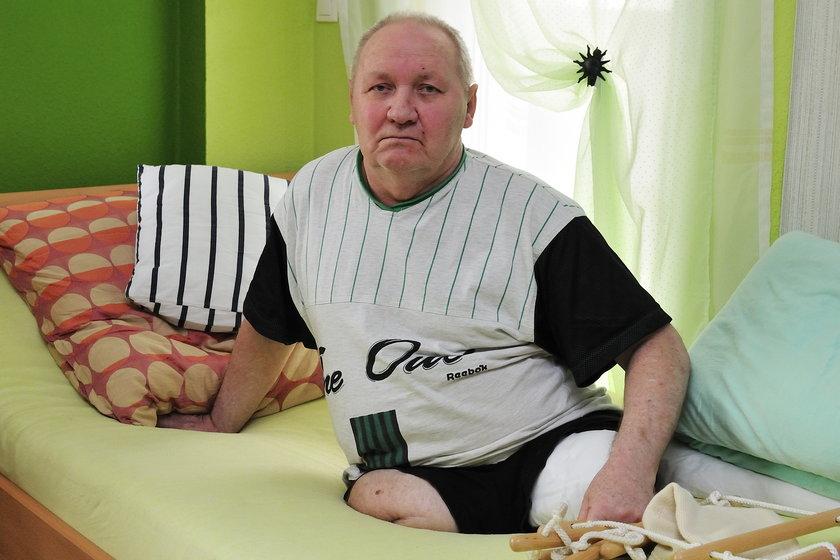 Urzędnicy muszą na własne oczy zobaczyć, że Marian Goździkowski nie ma nóg