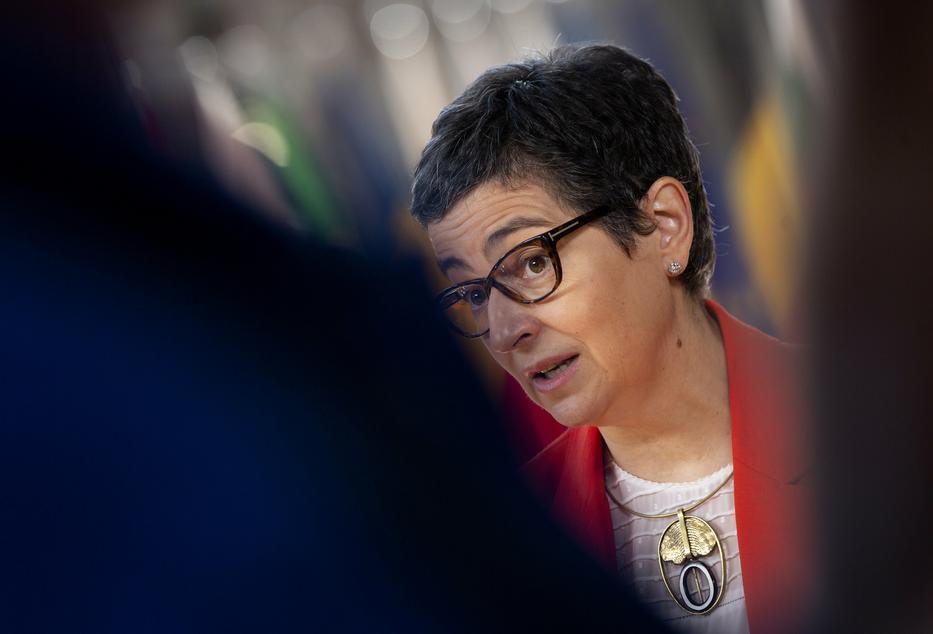 Arancha González Laya spanyol külügyminiszter szerint a jogállam érvényesülése fontosabb dolog, mint a pénz /Fotó: MTI/EPA/Pool/Virginia Mayo