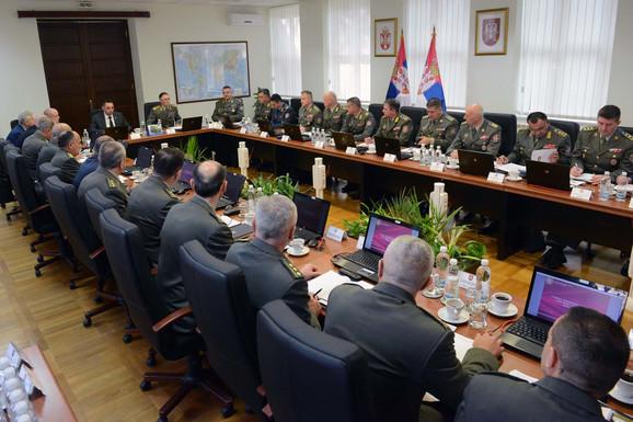 Vojni vrh na sastanku sa Vulinom