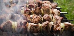 Tak uchronisz się przed toksynami z grillowanego mięsa
