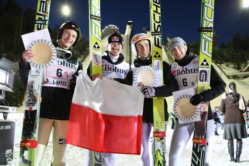 PŚ 2011 w Lahti: (od lewej) Tomasz Byrt, Adam Małysz, Piotr Żyła i Kamil Stoch