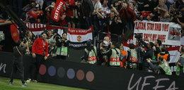 Szokujące zdjęcie. Kibic odda żonę piłkarzowi!