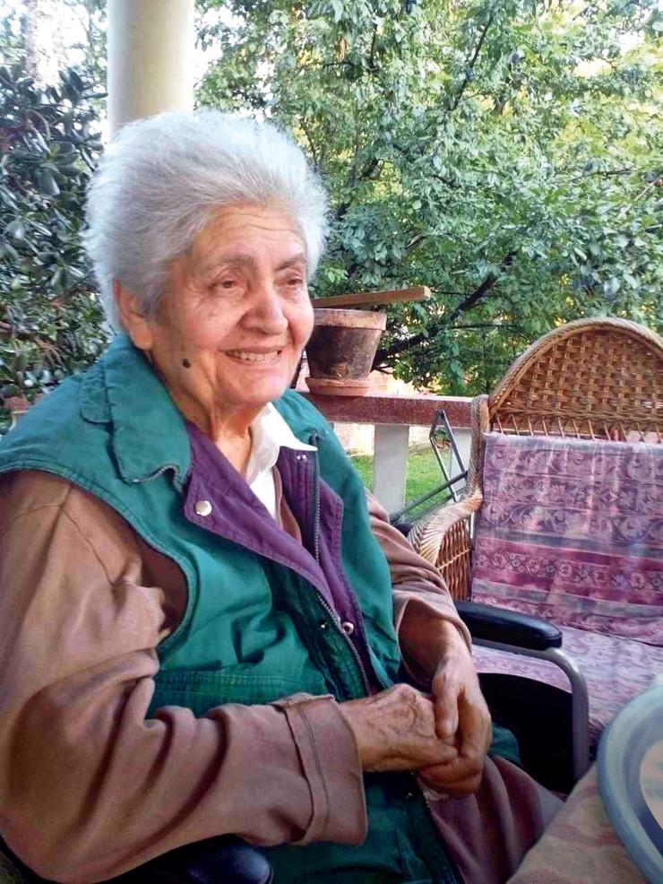 prebijena baka u starackom domu