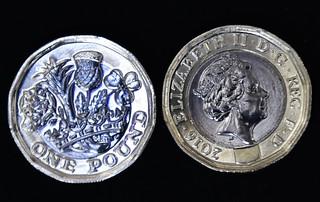 Wielka Brytania: Nowa moneta jednofuntowa weszła do obiegu