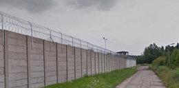 Bezczelna ucieczka z aresztu w Hajnówce. Przeskoczył mur