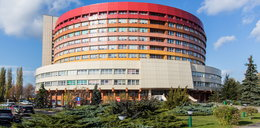 Dramatyczne wydarzenia w Kaliszu. Pacjent wypadł przez okno szpitala