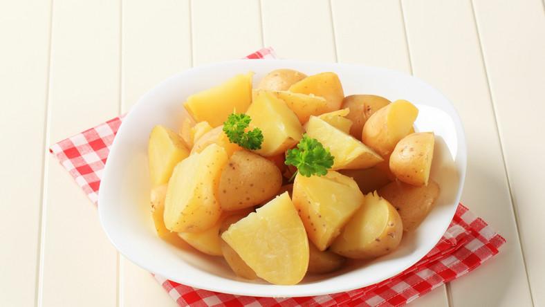 Ziemniaki pieczone w mundurkach mają pięć razy więcej błonnika niż banany