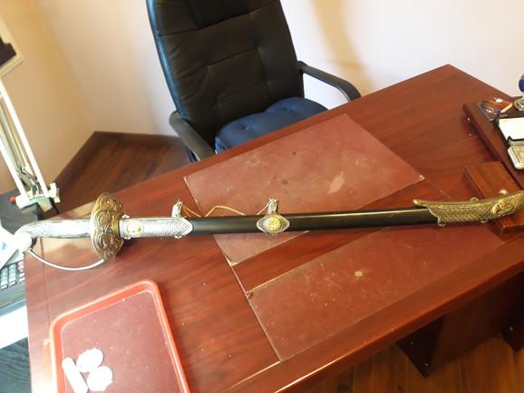 Replika Napoleonovog mača teži čak nekoliko kilograma
