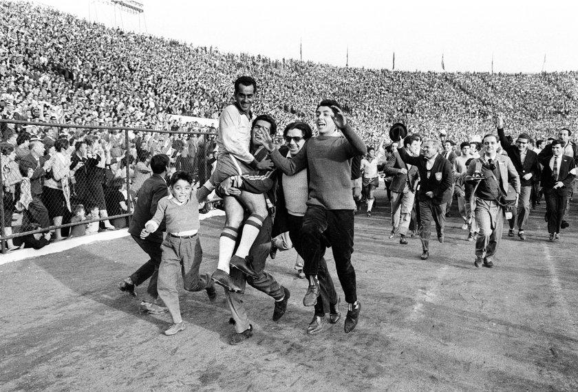 Tragedia w świecie futbolu. Nie żyje legendarny piłkarz, był kolegą Pelego!