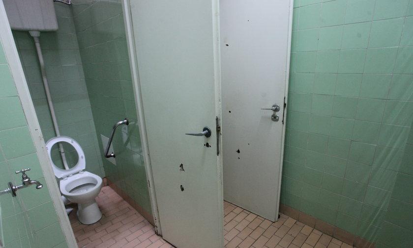 Zasyfione łazienki w szpitalach