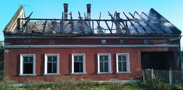 Tragiczny pożar gospodarstwa. Zawalił się dach