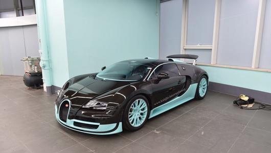 Bugatti Veyron Tiffany Edition z zerowym przebiegiem