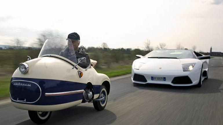 Dwa cabrio, dwa światy - Murcielago Roadster kontra Mopetta