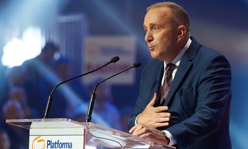 Jak twierdzi posłanka Nowoczesnej Joanna Scheuring – Wielgus, Schetyna dwukrotnie spotykał się z Kaczyńskim poza wiedzą reszty opozycji.