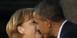 Tak całuje Merkel. FOTO