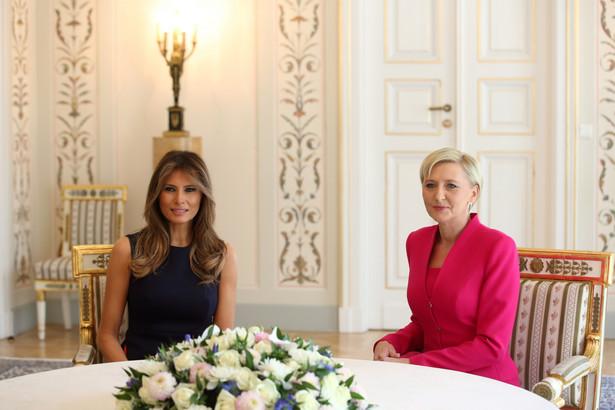 Pierwsza dama RP Agata Kornhauser-Duda i pierwsza dama USA Melania Trump podczas spotkania w Belwederze w Warszawie.