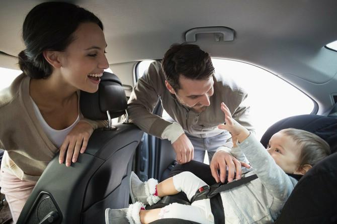 Prilikom čišćenja automobila veliki broj roditelja zaboravi da očisti sedišta za decu