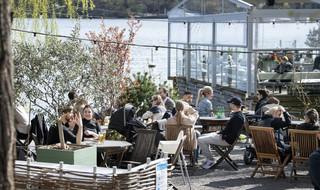 W Sztokholmie zamknięto pięć restauracji, w których było zbyt tłoczno