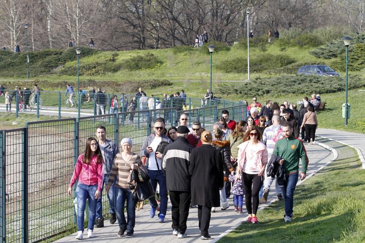Beograđani su uživali u lepom vremenu na Adi Ciganliji