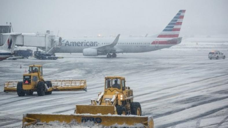 The tarmac of La Guardia Airport is cleared during a winter storm on February 2, 2015 in the Queens borough of New York City.