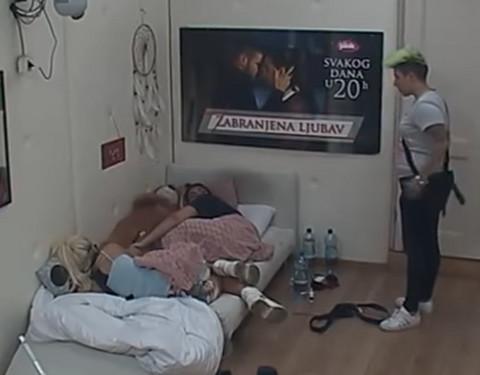 """Matora POLUDELA zbog Sanje: """"Sad bih joj GLAVU polomila!"""" VIDEO"""