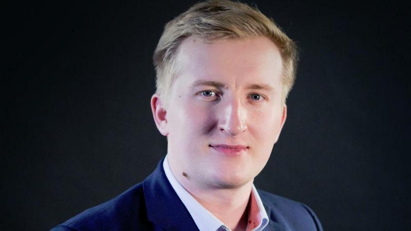 Adrian Kostrzębski - ESL Polska