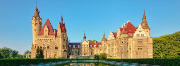 Pałac w Mosznej, wybudowany w drugiej połowie XVII wieku.