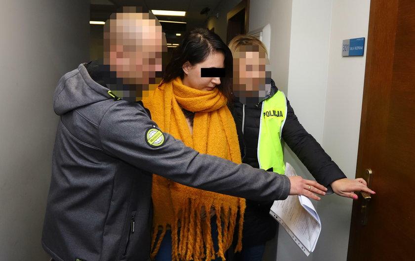 Wyrodna matka czeka na ekstradycję