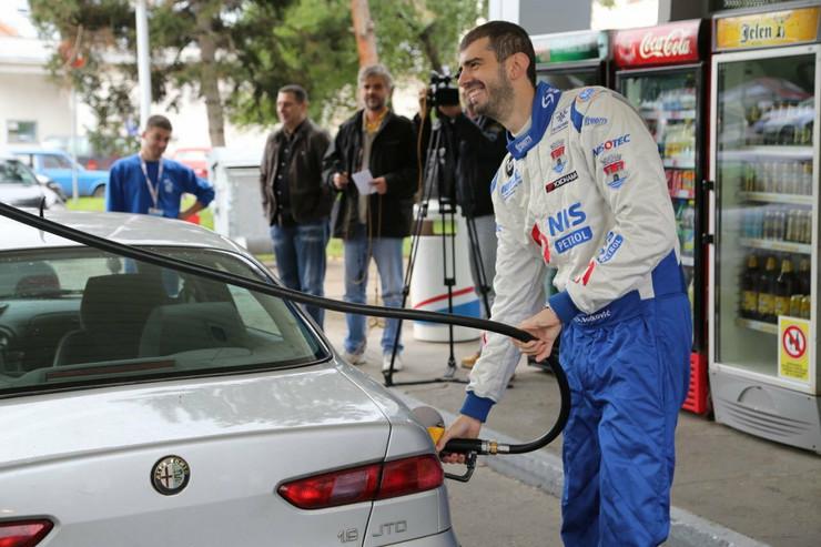 516810_duca-sipa-benzin-1