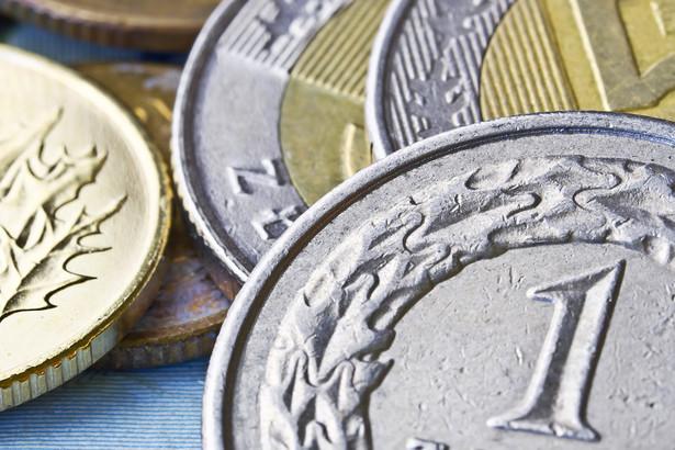 Umorzenie składek powoduje także umorzenie odsetek za zwłokę, kosztów upomnienia i dodatkowej opłaty.