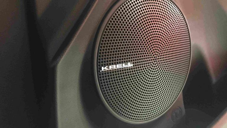 Za system audio odpowiada amerykański Krell. Dużo mocnego basu i ostrych tonów wysokich