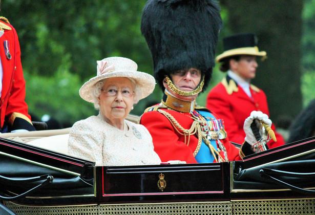 Brytyjski rząd Theresy May opóźni o kilka dni zaplanowaną na 19 czerwca mowę tronową królowej Elżbiety II, będącą formalnym otwarciem nowej sesji parlamentu,