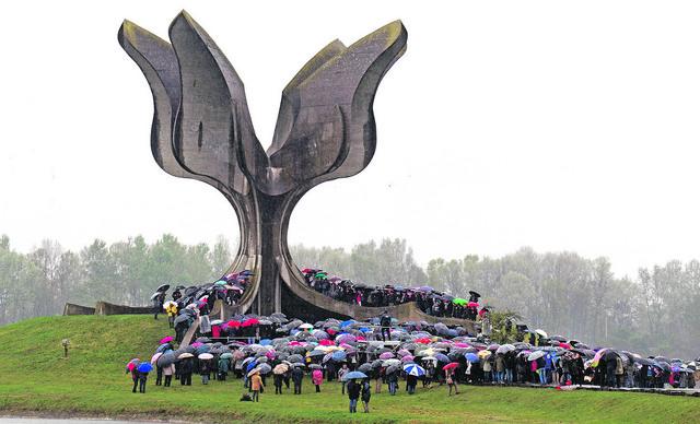 Spomenik u Jasenovcu