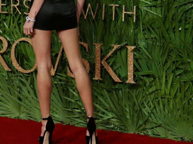Ima 21 godinu, najlepša je na svetu i ima najlepše noge na svetu: Malo li je?