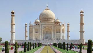 Indie: Mimo pandemii rośnie liczba turystów odwiedzających Tadż Mahal