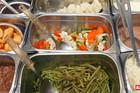 Bolnička hrana u Srbiji je BLAGI UŽAS, a ovako se jede u inostranstvu (VIDEO)