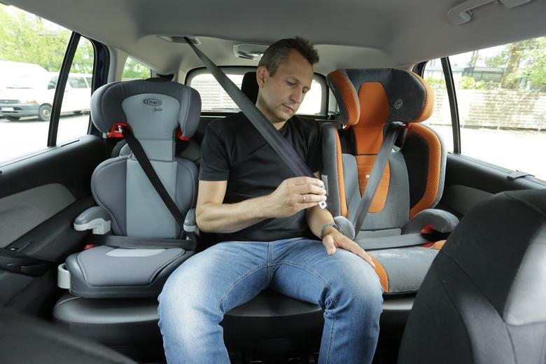 Trzy niezależnie regulowane fotele zwiększają funkcjonalność